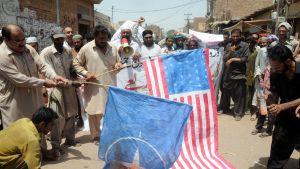 Pakistanska protester mot USA:s drönarattacker
