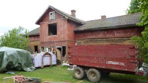 Falla gård då renoveringen inleddes