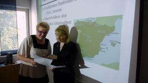 Ledande överskötare Arja Tuomaala och projektchef för Botnia work Riitta Lehtisalo