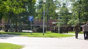 Beväringar i formationer vid Nylands brigad.