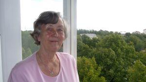 Maire Peltonen är arg på folk som säger att åldringarna inte får kosta