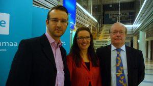 Nils-Johan Englund (SDP), Anne Salovaara-Kero (SFP) och Markku Rautonen (Saml)