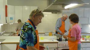 Koncentrerade deltagare i projektet Matlusten