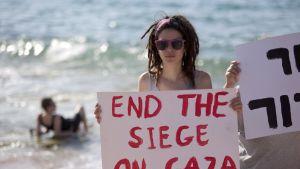 Aktivit på stranden i Ashdod