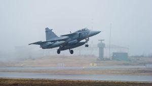 Svenska Jas Gripen-plan deltog i den Natoledda insatsen i Libyen.