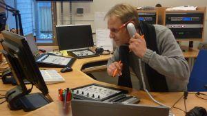 Yle Västnylands chef Patrik Rosström är redo för valkvällen.