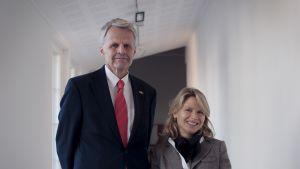 Ambassadör Anders Lidén med fru Linena Hermance besöker Pro Artibus i Ekenäs.