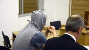 Kidnapparen förhörs i tingsrätten i Kymmendalen