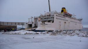Wasa Express i hamnen i Holmsund