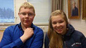 Michael Ekebom och Erica Kaskinen går i Karis-Billnäs gymnasium
