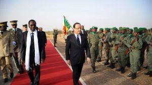 Malis interimsledare Dioncounda Traore och Frankrikes president Francois Hollande.
