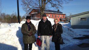 Matti Mare, Caj Rönnberg och Eeva Finnberg från Levande Hangö rf.