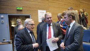 Joakim Palme (t.h) tillsammans med Paavo Lipponen och Ulf Sundqvist