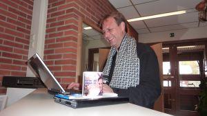 Patrik Rosström chattar med publiken