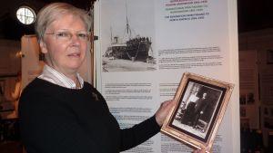 Ingrid Signells släktingar finns med på Hangö museums emigrant utställning