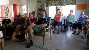 Klienter och personal vid finska arbetscentralen i Jakobstad