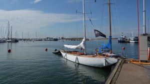 En av båtarna som tävlar i årets regatta.