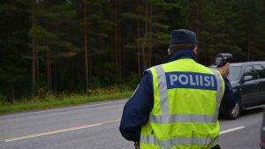 Polis med hastighetsradare