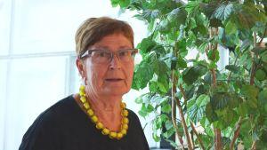Maija Anttila, ordförande i Helsingfors social- och hälsovårdsnämnd lovar att ingen ska lämnas ute i vinterkylan.