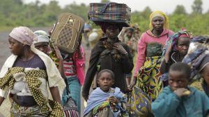 Människor flyr undan strider till Goma