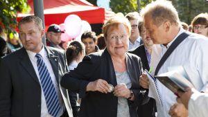 Halonen på SDP:s manifestationsdag för välfärden i Tammerfors