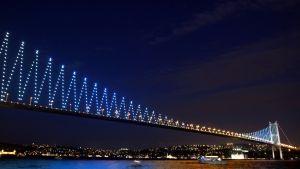 Första Bosporenbron. Nu byggs den tredje
