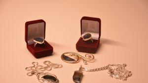 Smycken av Carl-Gustaf Lagercrantz
