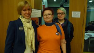 Roosa Laaksonen, Kirsi Mikkonen och Samu Linna vill visa sitt stöd för de sexuella minoriteternas situation i Ryssland.