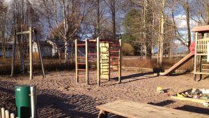 Lekpark i Deberby i Ingå