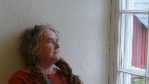 Maria Sundell är konstnär som lever på existensminimum