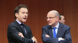Eurogruppens ordförande Jeroen Dijsselbloem och belgiska finansministern Koen Geens