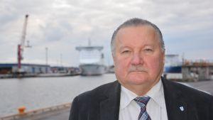 Hamndirektör Paavo Lyytikäinen.
