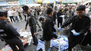 Thailändsk polis på plats efter explosioner i Bangkok