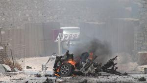 Efter en självmordsattack vid flygplatsen i Mogadishu