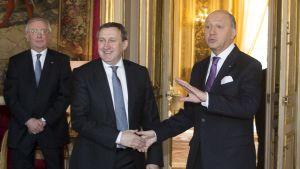 Ukrainas utrikesminister Andrii Deshchytsia och frankrikes utrikesminister Laurent Fabius