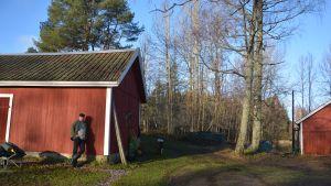 Riggert Munsterhjelm på sin gård i Snappertuna