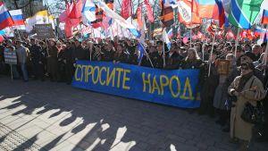 Demonstration i Moskva till stöd för folkomröstning på Krim