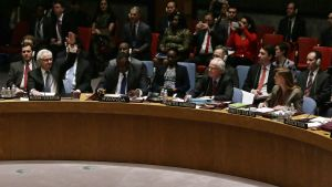 Rysslands FN-ambassadör Vitalij Tjurkin röstar nej till Krimresolution i säkerhetsrådet