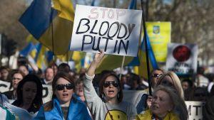 Protestdemonstration mot Ryssland i London