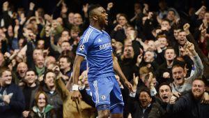 Samuel Eto'o nätade för Chelsea.