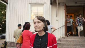 Tarja Tenkanen på invånarkväll om flyktingförläggning