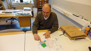 Utvecklingsdirektör Sten Frondén synar planerna för affärsområdet Drottningporten.