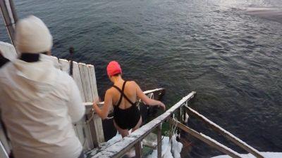 Men varfor kan hon inte bada