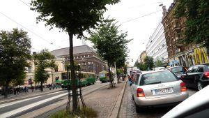 Bilar på Mannerheimvägen i Helsingfors.
