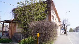 Det skyddade empirhuset vid torget i Jakobstad måste flyttas