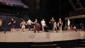 Cirque Du Soleil harjoittelee