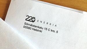 220 Energian logo ja osoite sähkölaskussa.