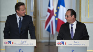 Storbritanniens premiärminister David Cameron och Frankrikes president Francois Hollande under ett möte i Paris i november 2015.