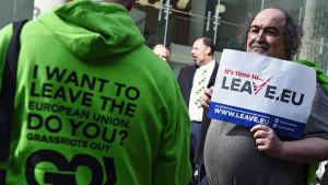 Brexitanhängare demonstrerar