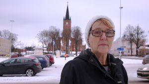 Stine Hellroos hjälper flyktingar i Lovisa